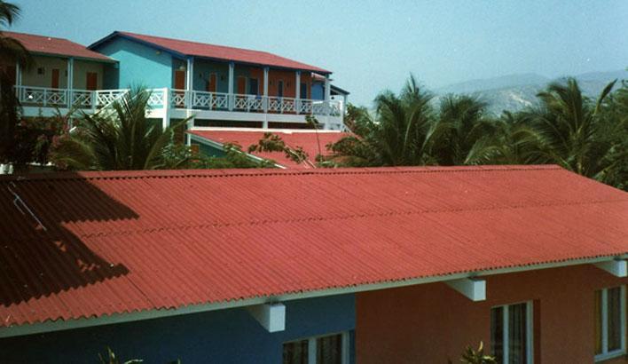 Tu sửa lại mái nhà
