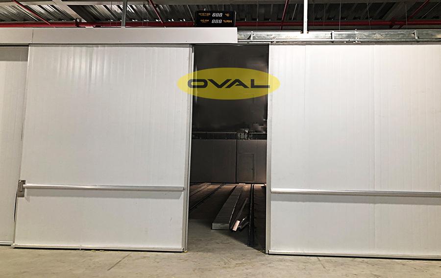 Tấm Panel PU làm cửa trượt, cửa kho, hầm đông lạnh